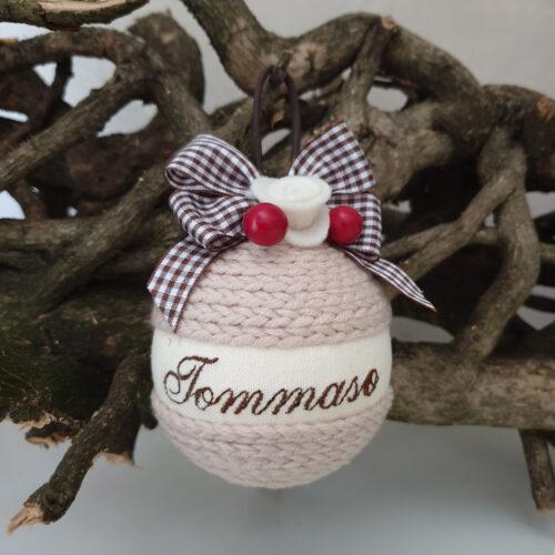 Pallina Natale lana sabbia con nome 3